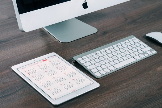 website maintenance – Apple computer and calendar